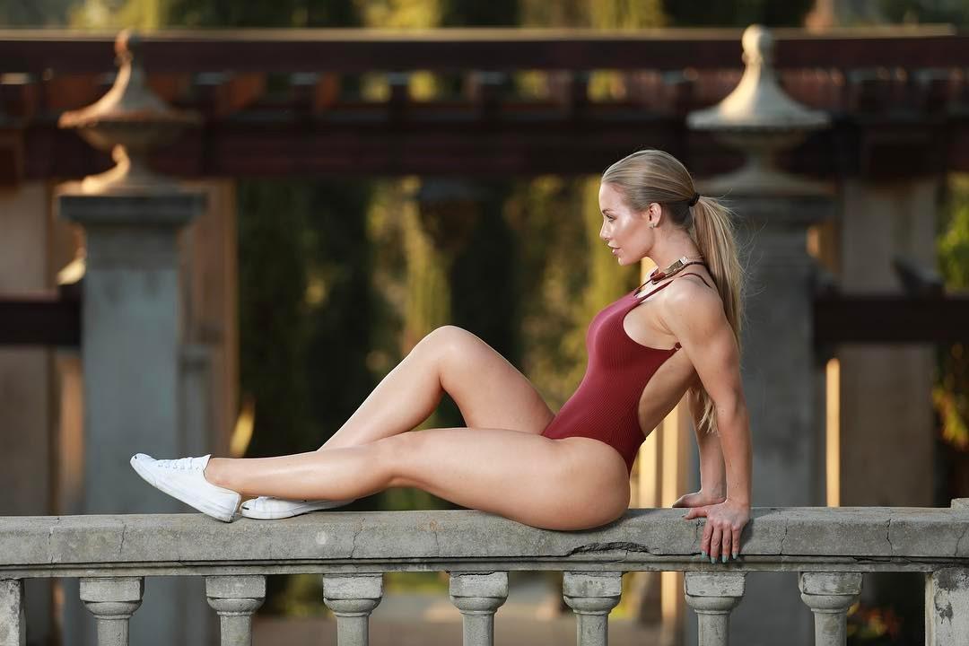 Nicole Aniston Fickgeil
