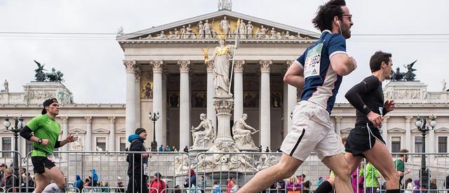 maraton-viena-parlamento-travelmarathon-es