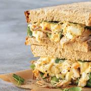sanduiche-de-frango-com-pasta-de-ovo