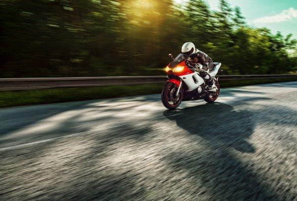 Me siento fatal Depositphotos-49950001-stock-photo-biker