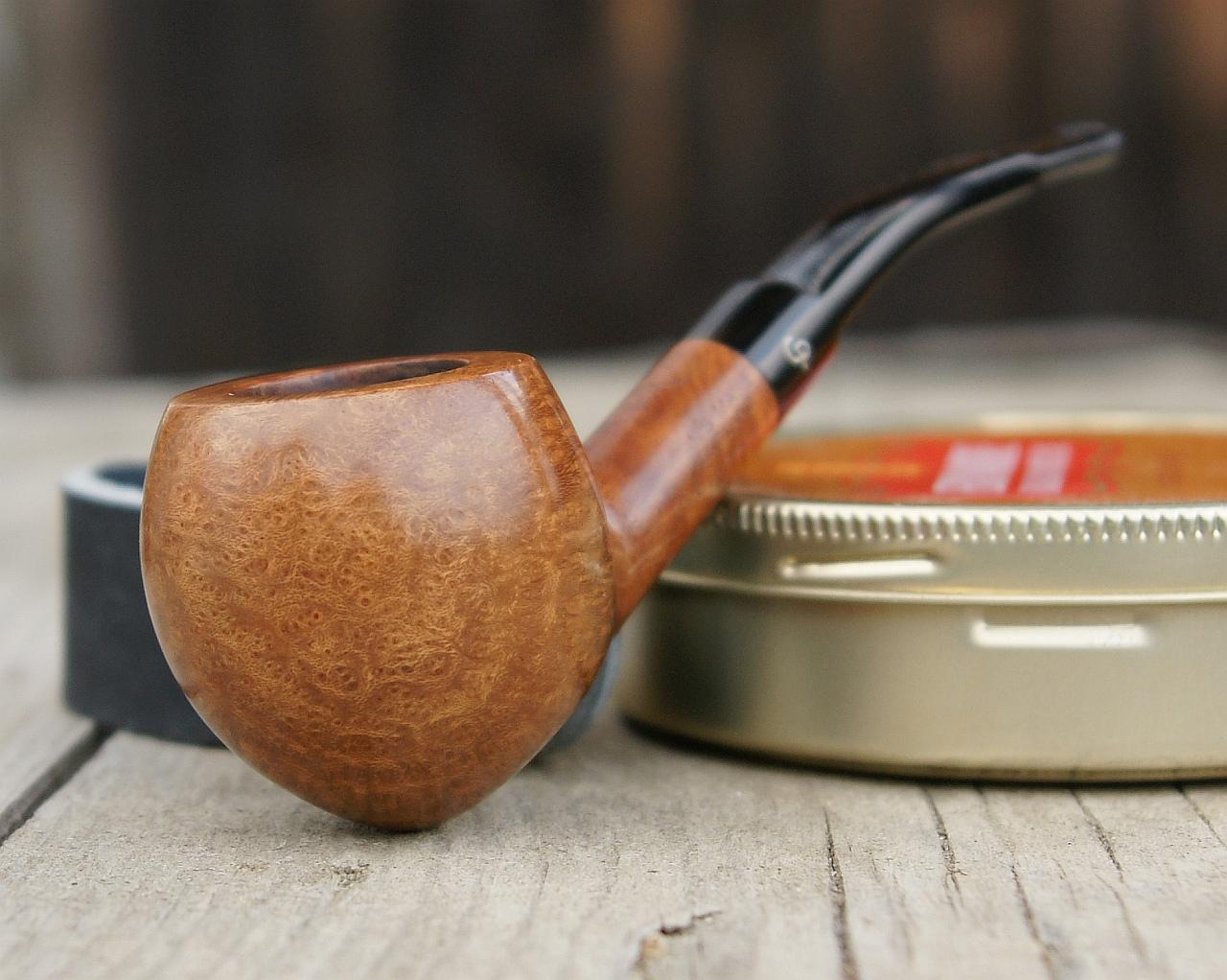 Charatan Special acorn 373DC