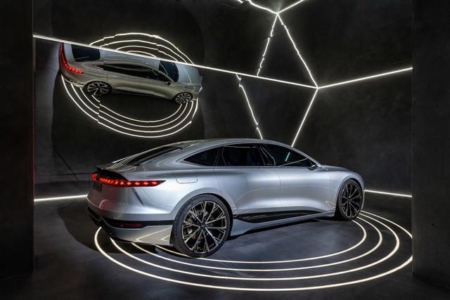L'Audi A6 e-tron concept à la Milan Design Week A216463-medium