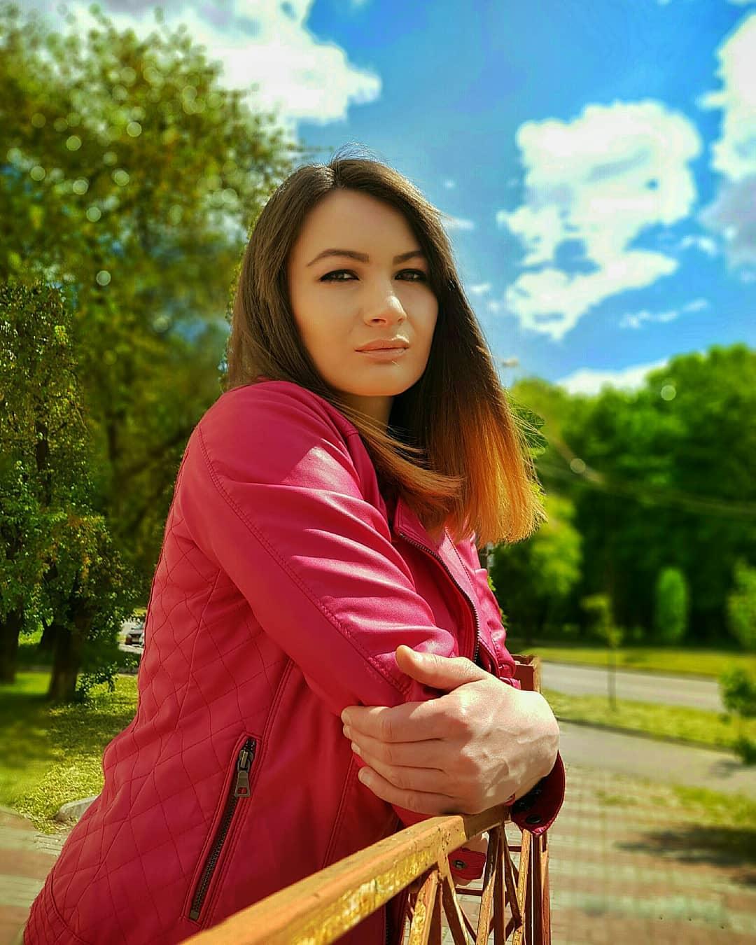 Olga-Madych-Wallpapers-Insta-Fit-Bio-17