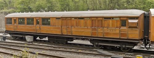 LNER-3669-Gresley-teak-Brake-Third-Corridor
