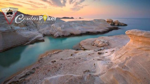 Deretan Pulau Terindah di Dunia dari Komodo sampai Yunani