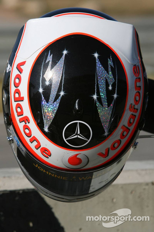 17-01-2007-Valencia-Spain-HELMET-of-Fernando-Alonso-ESP-Mc-Laren-Mercedes-Formula-1-Testing-www-xpb-