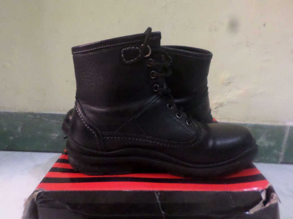 shoes cleaner bandung