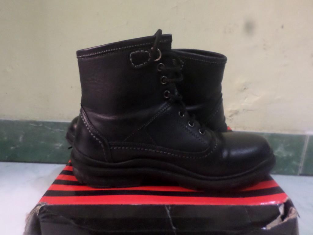 shoes size 270
