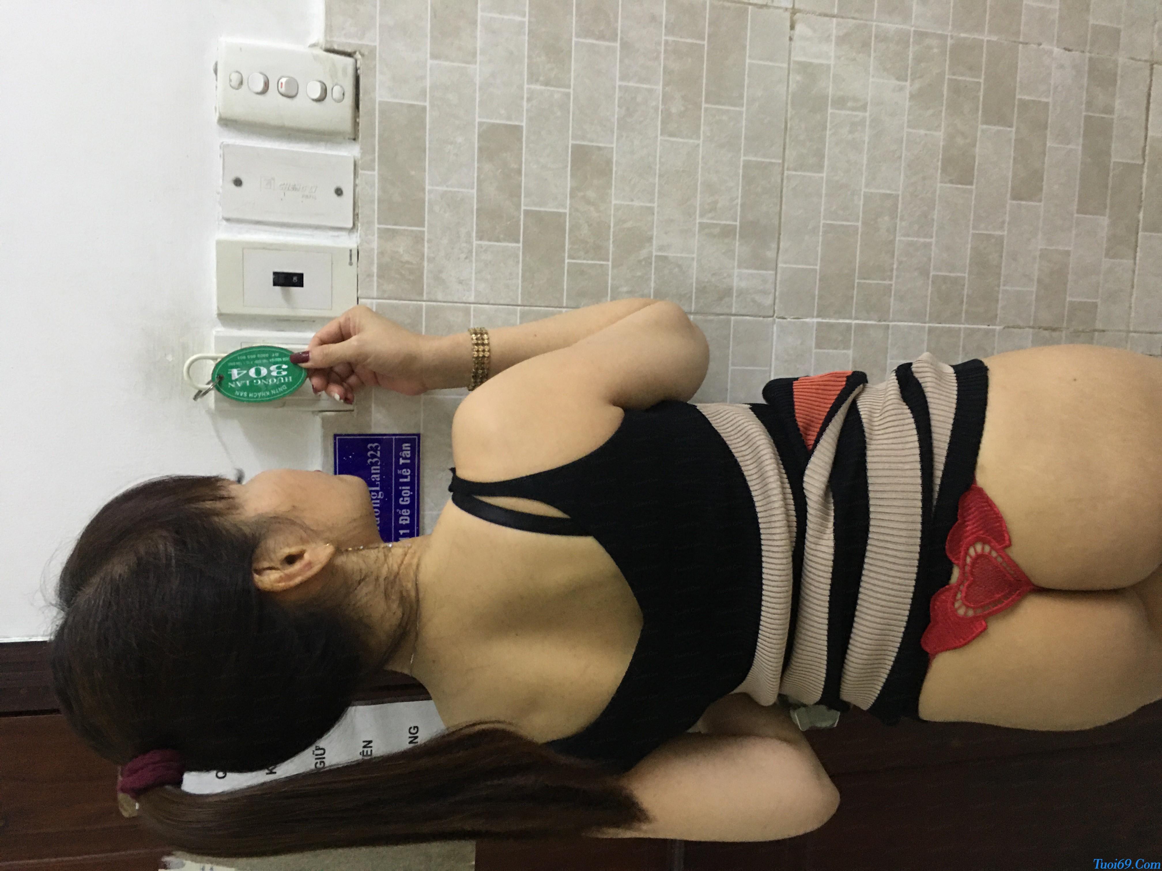 tuoi69net-review-em-gai-lan-huong-dam-nu-dang-yeu-chieu-khach-26