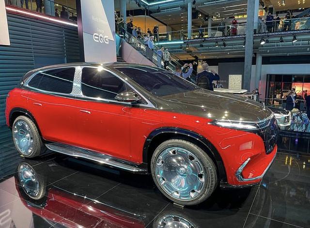 2021 - [Mercedes] EQS SUV Concept  ED5-F04-B9-F1-D9-41-E1-88-BE-3475950-B7-C0-D