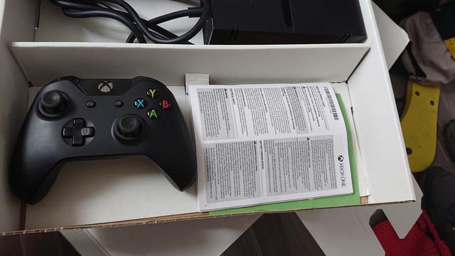 [VDS] XBOX 360 FAT avec Manettes 25 Euros Envoi Inclus  DSC-0186