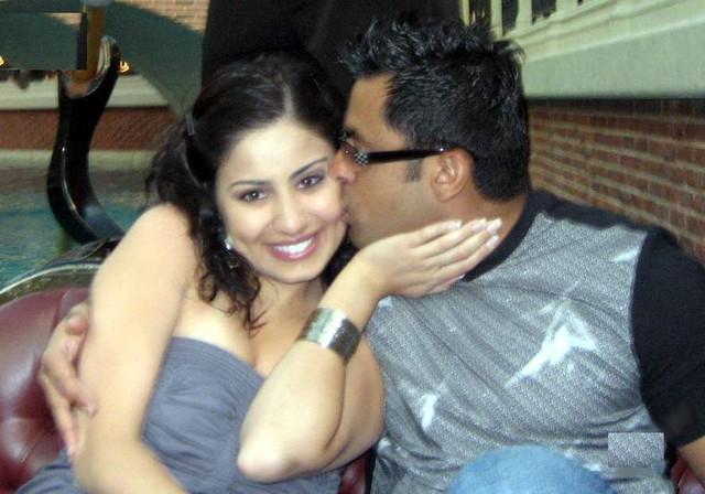 [Image: 002-nri-couple-hot-photos.jpg]