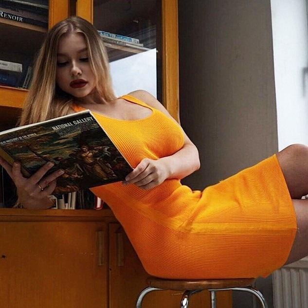 Miss-Pasha-Wallpapers-Insta-Fit-Bio-7