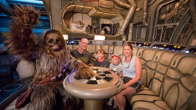 [Disneyland Park] Star Wars: Galaxy's Edge (31 mai 2019) - Page 6 Zzzz11
