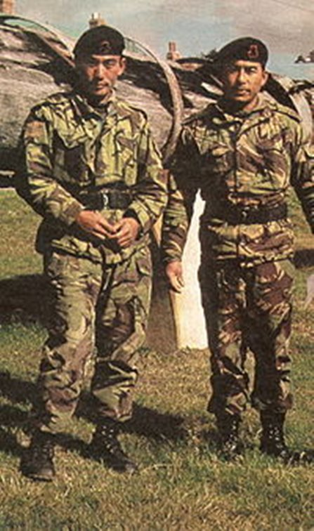Los Gukhas de Nepal han combatido las guerras inglesas desde el siglo XIX, incluso participaron en la Guerra de las Malvinas y, actualmente en Afganistán e Irak y aun así tienen problemas para obtener el derecho a la ciudadanía inglesa y radicarse en territorio inglés