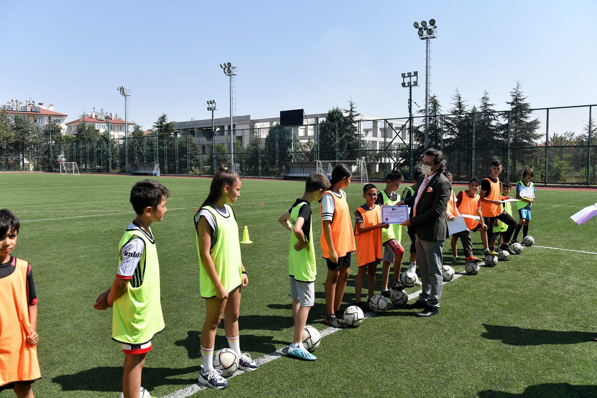 27-08-2021-futbol-yaz-okulu-7