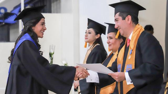 Graduacio-n-Maestri-as-8
