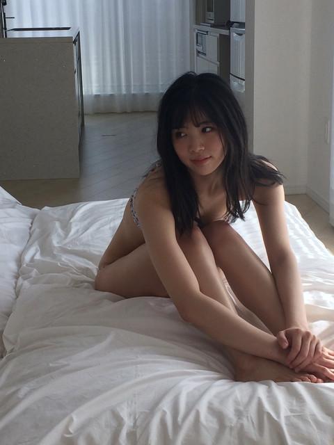 Nara Miharu 奈良未遥