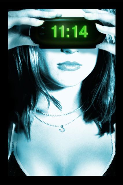 Смотреть 11:14 Онлайн бесплатно - Миддлтон — маленький провинциальный город. Ночью по шоссе на большой скорости движется...
