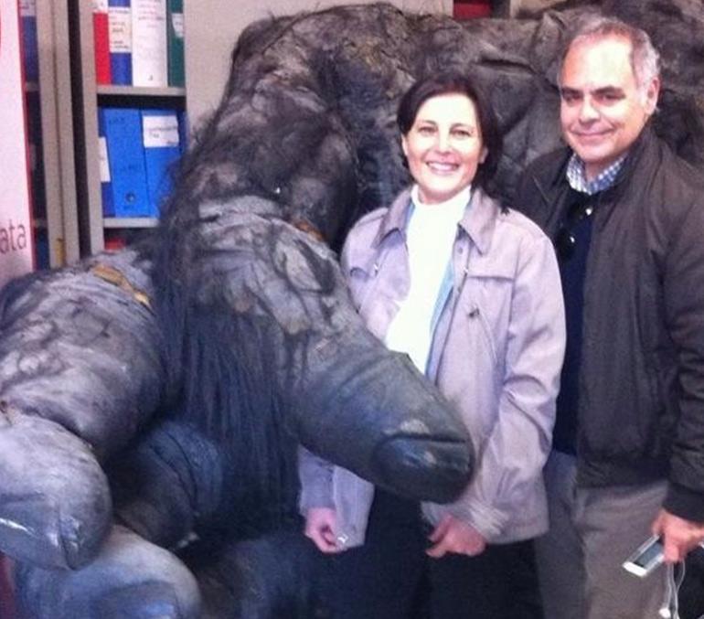 Professor Rambaldi in the hand of King Kong