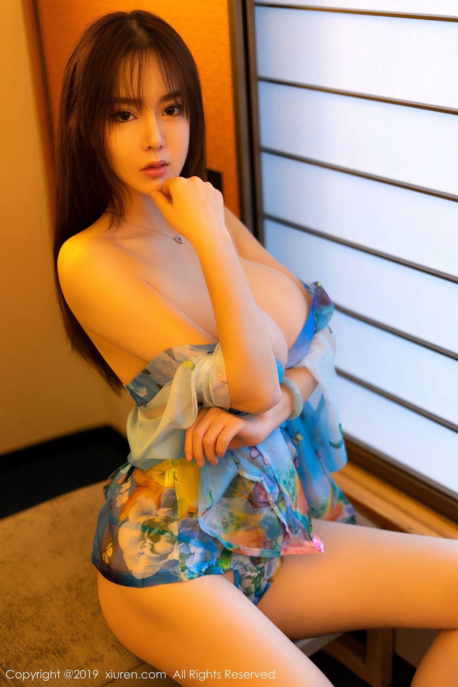 [XiuRen秀人] No.1319 屏霸女神@易阳Silvia最新性感写真