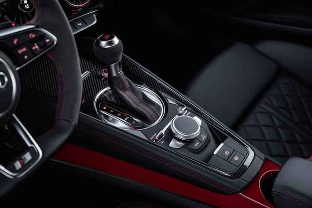 Accent sportif : l'Audi TTS competition plus A208502-medium