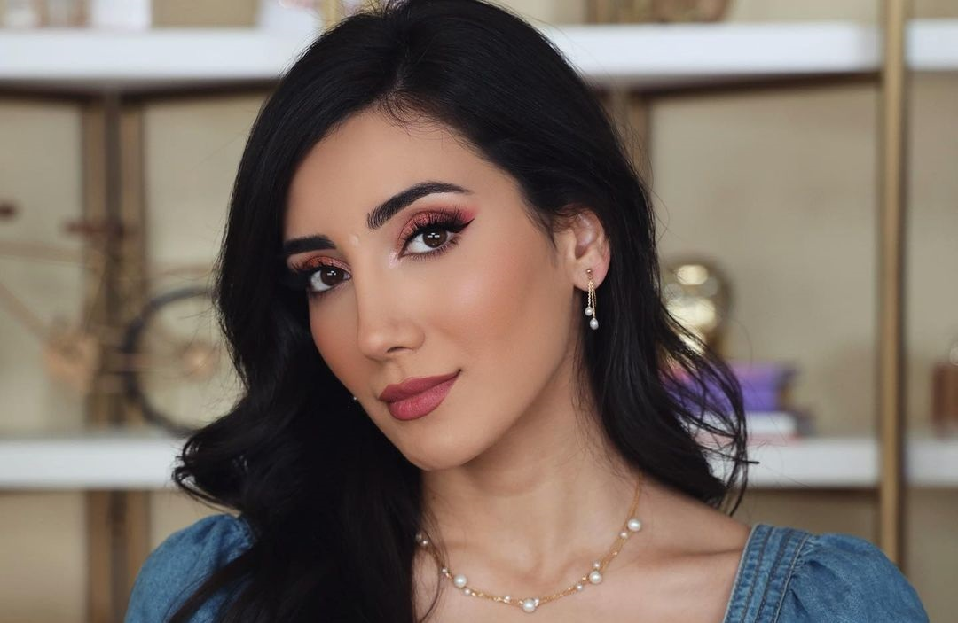 Sadaf-Beauty-Wallpapers-Insta-Fit-Bio-Sadaf-Taherian-Wallpapers-Insta-Fit-Bio-1