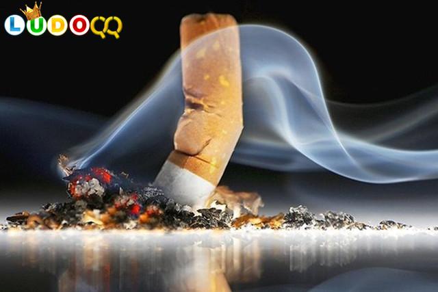 Dokter Paru: Perokok Berisiko 5 Kali Lebih Mudah Tertular Covid-19