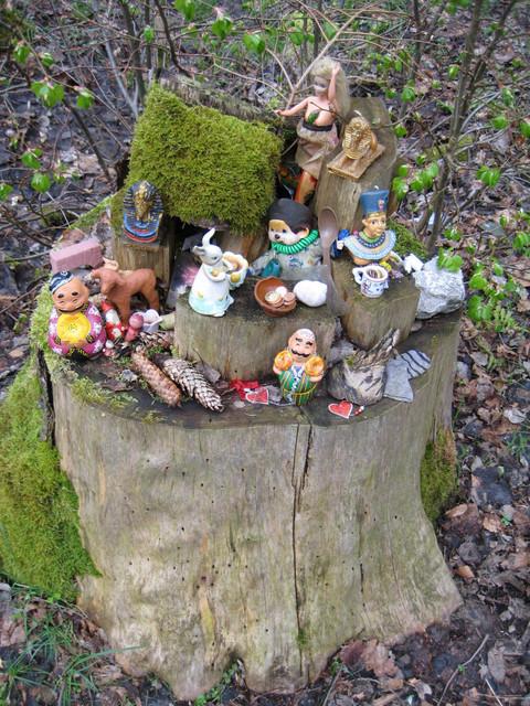 [Image: toy-stump.jpg]