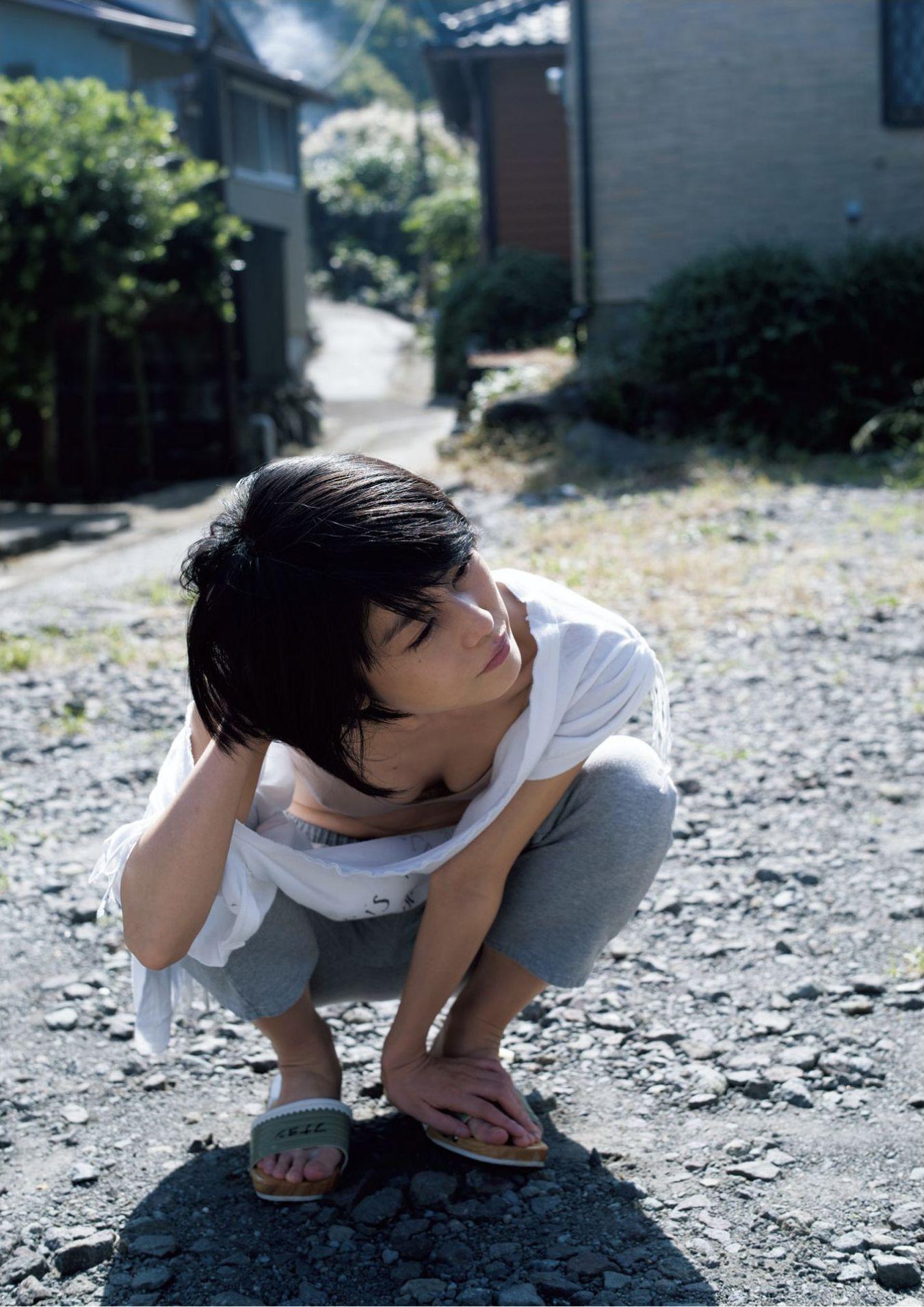 芳野友美ファースト写真集『或る女』005