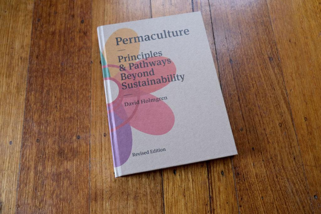 Ein Leitfaden für die besten Permakultur-Bücher für nachhaltige Gärtner