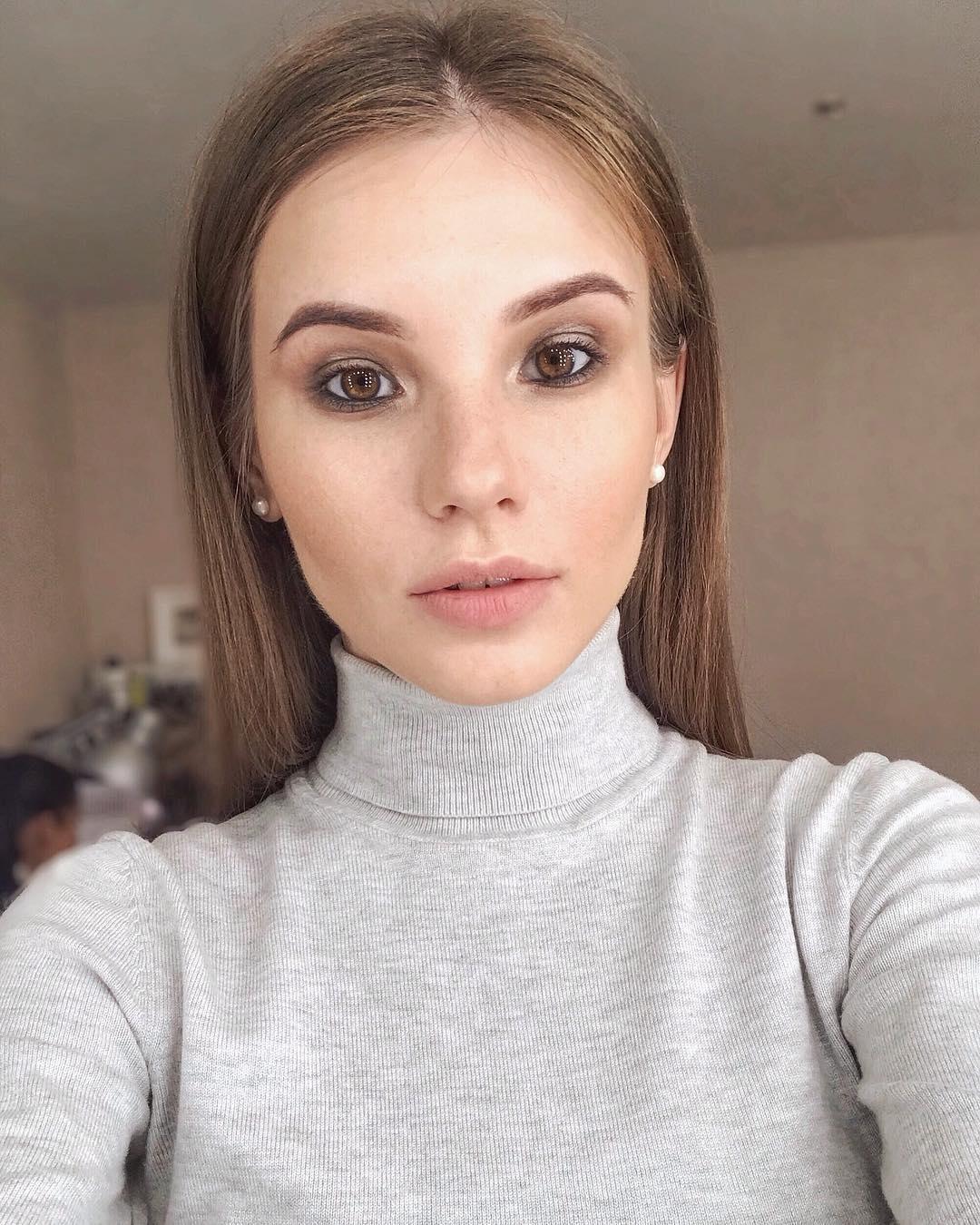 Anna-Kudinova-Wallpapers-Insta-Fit-Bio-11