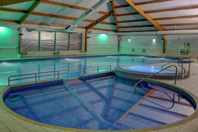 piscina-best-western-kings-manor-travelmarathon-es