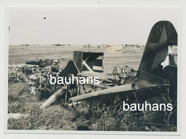 Foto-Russland-Feldflugplatz-Flugzeug-Kriegsschrott-1941