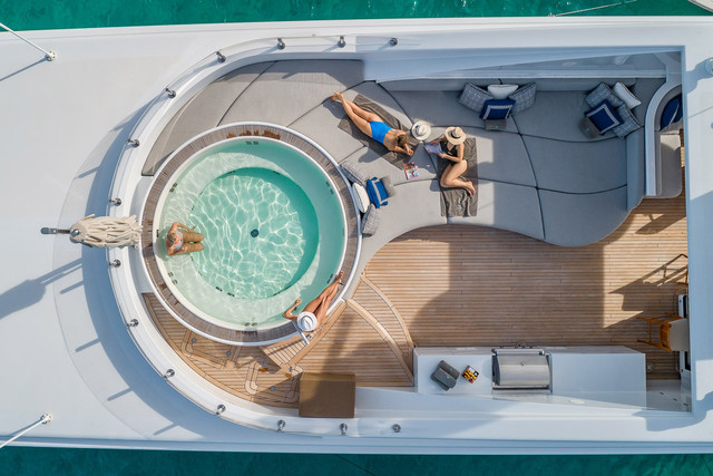 Yachts-with-Spas-3