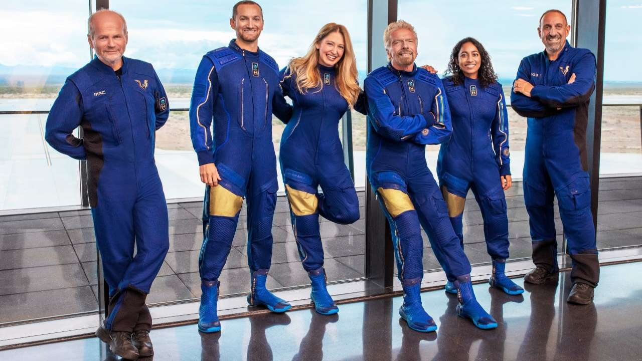 The Unity 22 crew