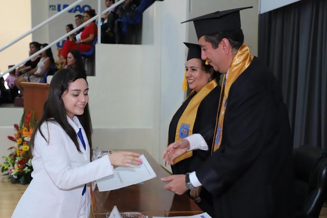 Graduacio-n-Medicina-89