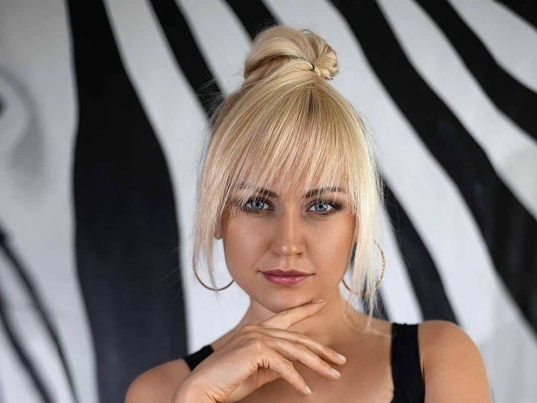 Evgenia-Taranukhina-Wallpapers-Insta-Fit-Bio-11