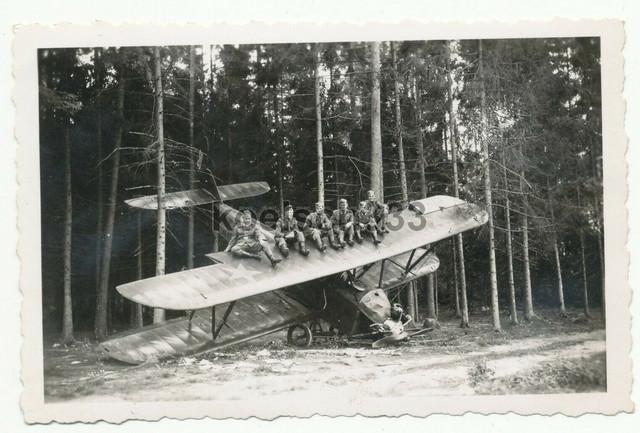 Foto-Sturmgesch-tz-Abt-203-Infanteristen-auf-russischem-Doppeldecker