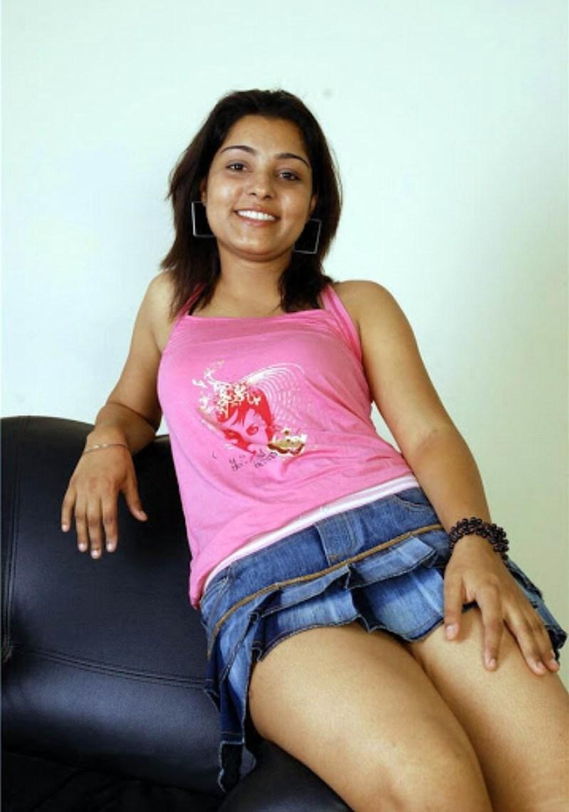 [Image: Diya-guddi-frnd-Actress-Anshu-Hot-Stills-2.jpg]