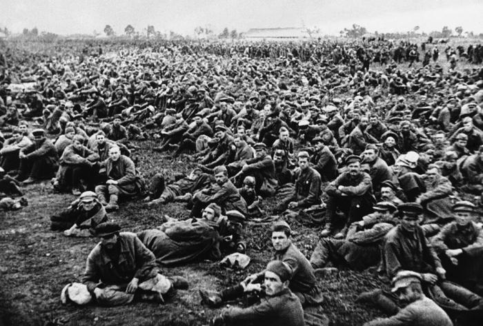 За ошибки первых месяцев войны СССР заплатил страшную цену.  Фото: fototelegraf.ru.