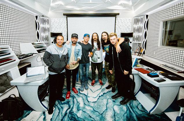 Steve-Aoki-Backstreet-Boys-press-2019-billboard-1548