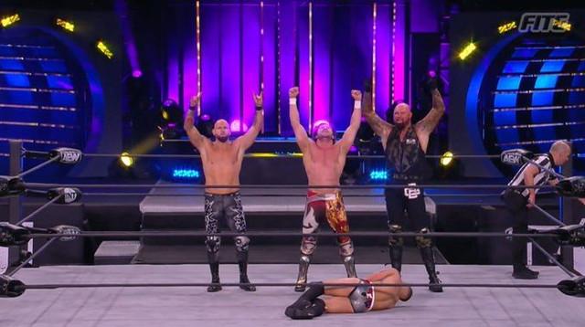 The Elite Omega vencen a Varsity Blondes AEW 13 enero