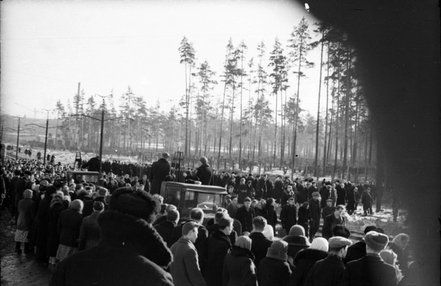 Dyatlov pass funerals 9 march 1959 19.jpg