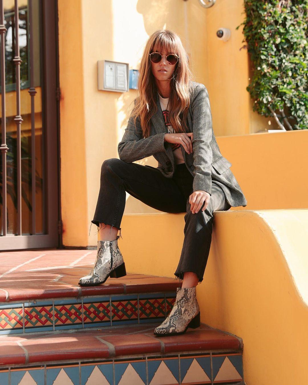 Rachel-Faulkner-Wallpapers-Insta-Fit-Bio-4
