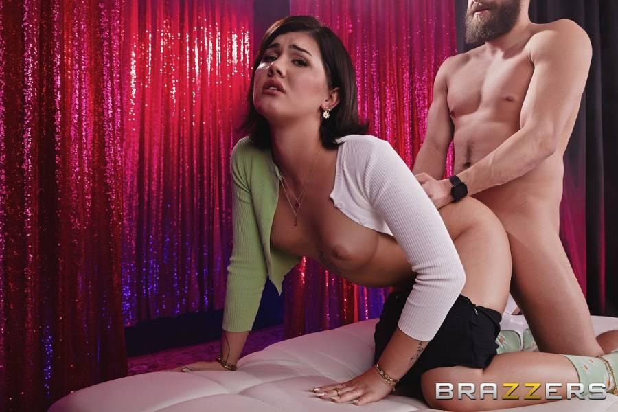 Daisy Taylor, Xander Corvus – Dating Daisy – Pornstars Like It Big – Brazzers