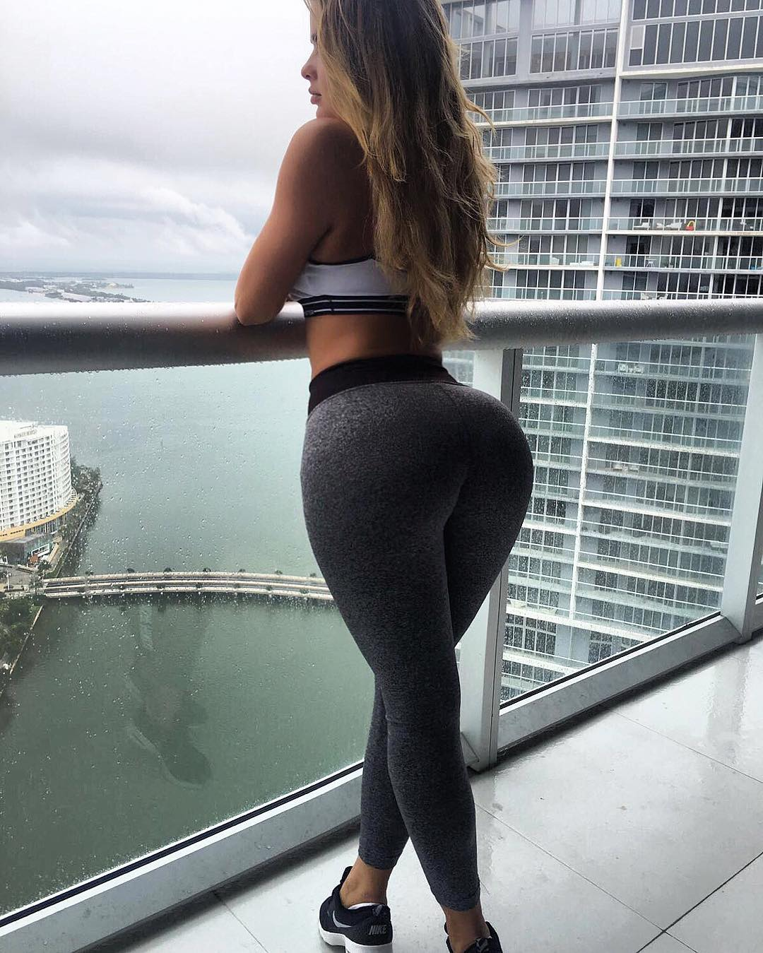 Anastasiya-Kvitko-Wallpapers-Insta-Fit-Bio-5