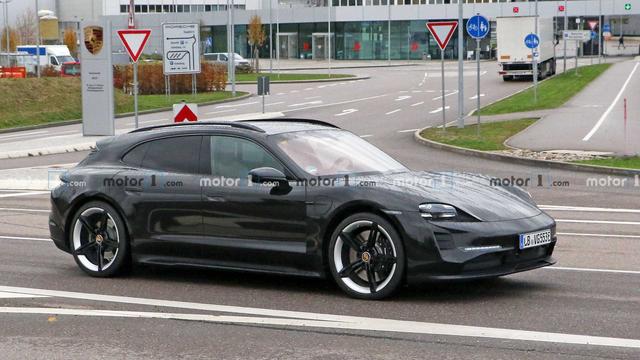 2020 - [Porsche] Taycan Sport Turismo - Page 3 A8-ECD5-E3-33-B1-4-FE2-BEF7-CF18-EE3-B66-CC