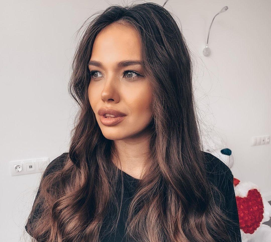 Komova-Anyuta-Wallpapers-Insta-Fit-Bio-13