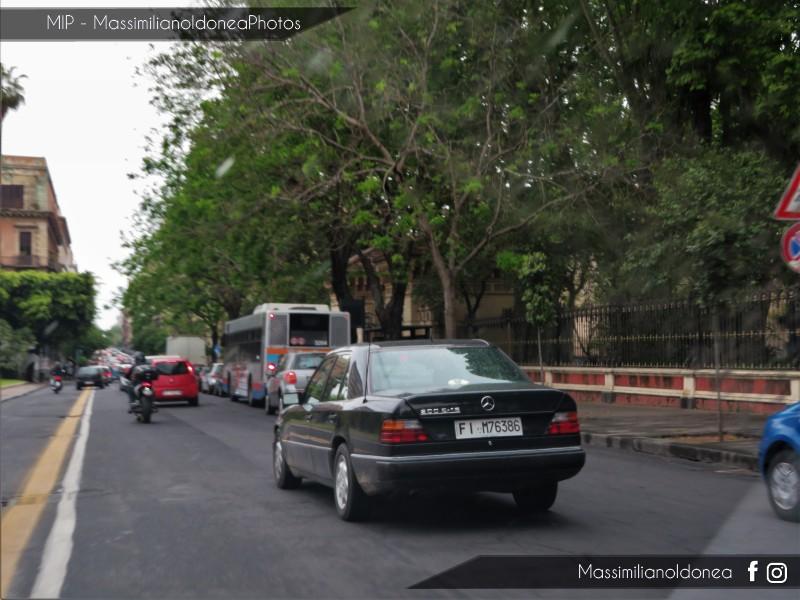 avvistamenti auto storiche - Pagina 20 Mercedes-W124-200-E-16-2-0-136cv-93-FIM76386-124-756-12-5-2017